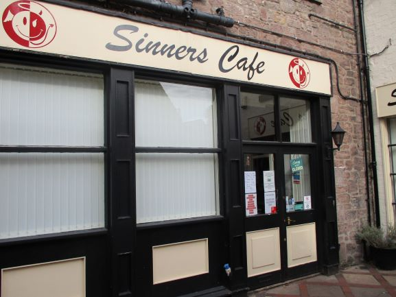sinners cafe closed